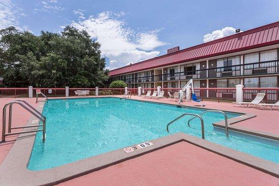 Perry, GA: Pool