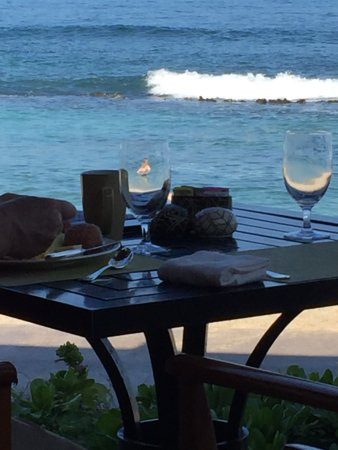 Four Seasons Resort Hualalai: Breakfast at Ulu - see mermaid in a glass