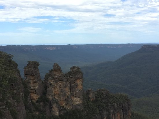 The Three Sisters: photo0.jpg