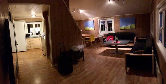 Kinsarvik, Noruega: pano shot of the cabin common area