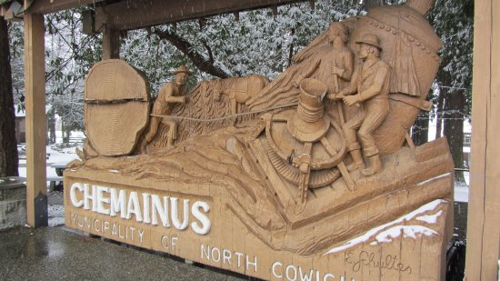 Chemainus, Canadá: Wood carving at the park