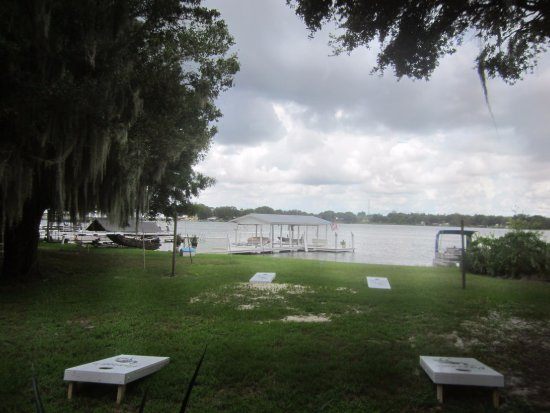 Lake Placid, FL: Lake Henry from the screened dining room