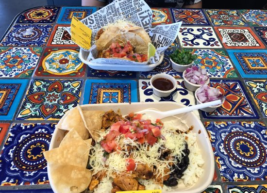 Mount Lawley, Austrália: TACOS and BURRITO BOWL
