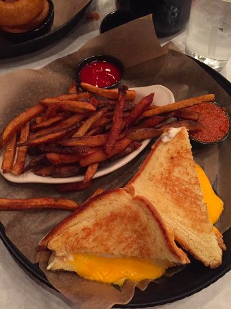 Plainfield, IL: grilled cheese