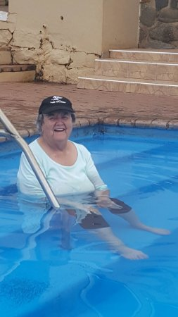 Paulpietersburg, África do Sul: Mom Brown 81 relaxing in the hot pool 18th February 2017.