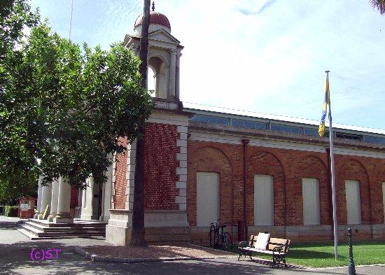 Castlemaine, Australia: the building
