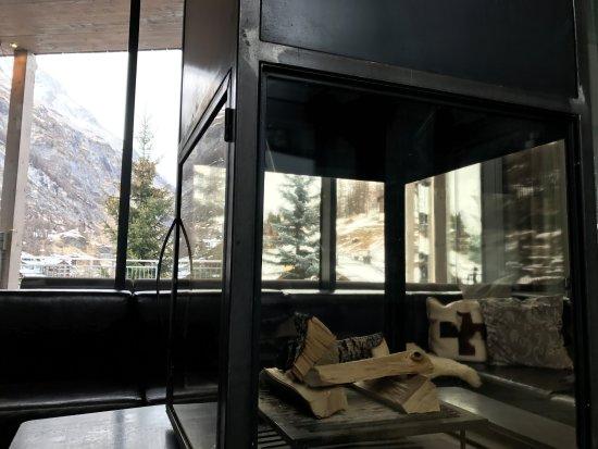 Hotel Matterhorn Focus: Tea is served everyday near the fire place