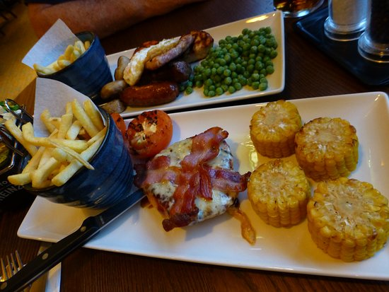 Premier Inn Dublin Airport Hotel: Nice meals