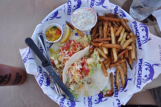 Pincher's: Fish Tacos