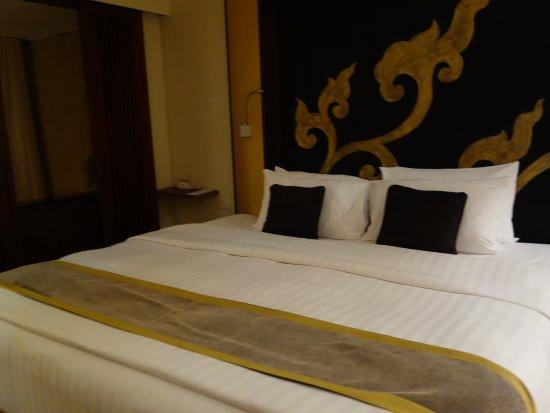 Movenpick Resort & Spa Karon Beach Phuket: il letto ampio