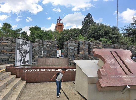 Соуэто, Южная Африка: 「ダークツーリズムの聖地」の1つです。