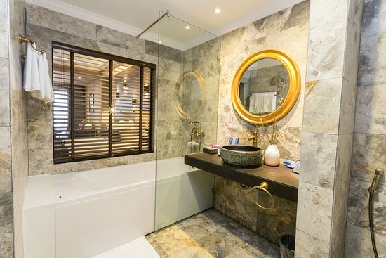 Marble Bathroom Ideas To Create A Luxurious Scheme: Picture Of Aira Boutique Sapa