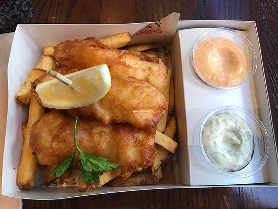 British exterior picture of gordon ramsay fish and chips for Gordon ramsay las vegas fish and chips