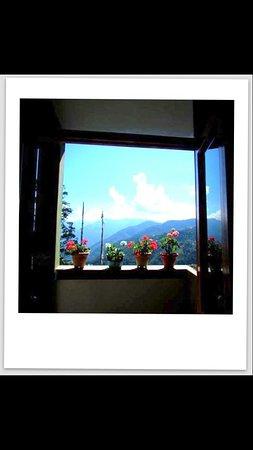 Bomdila, India: Balcony view