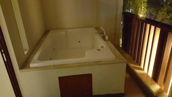 The Magani Hotel and Spa: Balcony room 4042