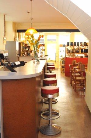 Bazas, Frankrike: comptoir côté salle