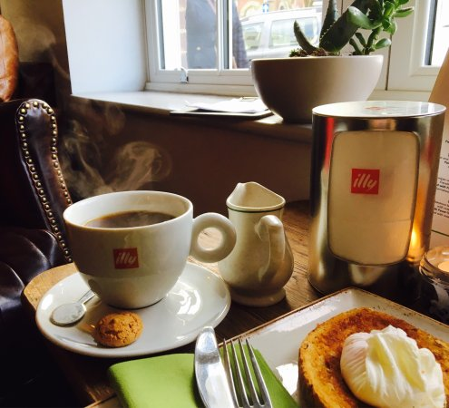 Haverhill, UK: Happy Monday morning, relaxing way to start your working week, nice and cosy with good speed int