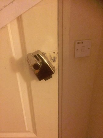 bathroom how lock out a equipment or to youre locked wonderhowto re you bedroom when open tools door