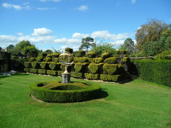 Hever Castle's manicured gardens
