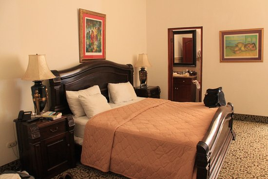 La Perla Hotel Photo