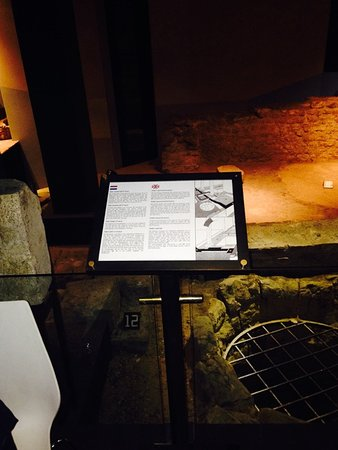 Derlon Hotel Maastricht: Archeological Site of Roman Street below Hotel