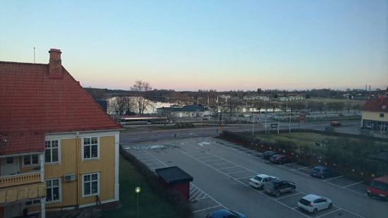 Mora, Svezia: The view can be better if not behind this house.