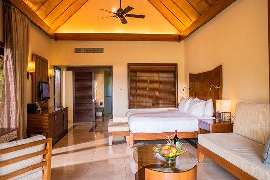 Chemin Grenier: Luxury Villa with Pool