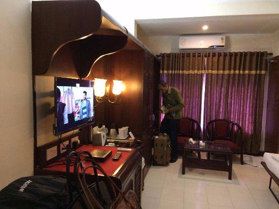 Yuvarani Residency: room