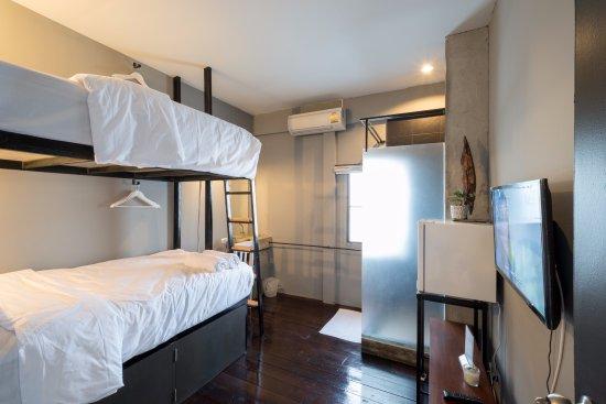 Phuket Capsule and Hidden Pool Bar: Bunk Bed Room