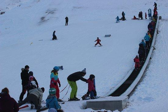 Haukelifjell Skisenter: Nursery slope - friendly, safe atmosphere.