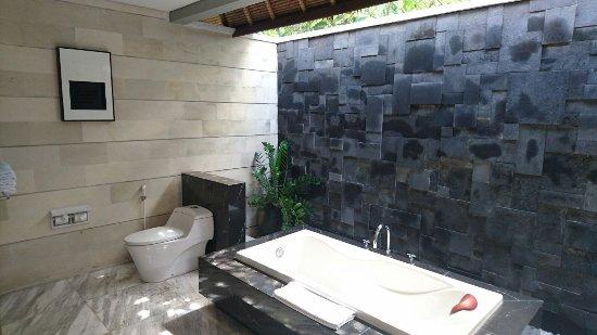 Abi Bali Resort & Villa: Open Air, aber schön