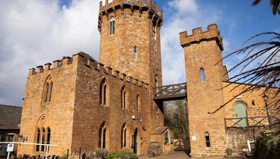Landscape - Picture of Castle at Edgehill, Banbury - Tripadvisor