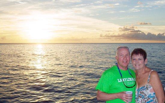bahía de Simpson, St. Maarten: Sunset Dinner Cruise in St Maarten on the Tango!