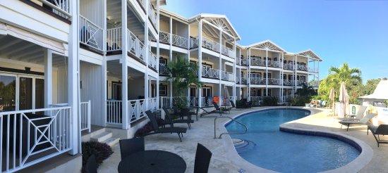 Lantana Resort: The front block at Lantana