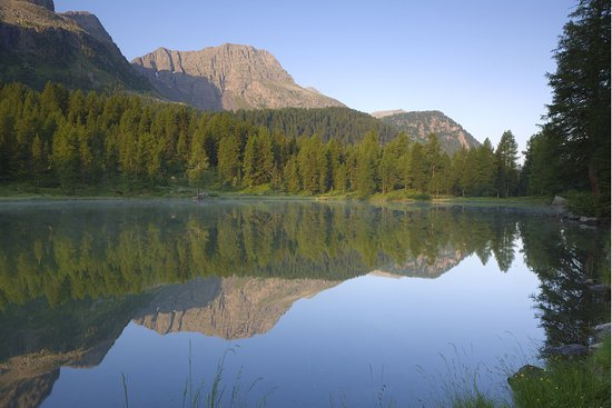 Paesaggi Estivi Val Di Fassa Lago Di San Pellegrino E Col