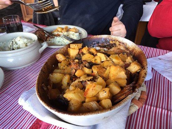 Lousa, Portugal: Cabrito no forno simplesmente divinal