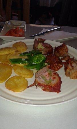 Arriate, Spagna: solomillo de cerdo relleno de migas