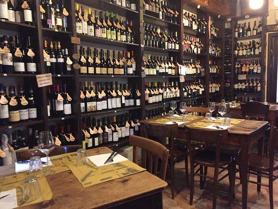 """Zola Predosa, Italie : Osteria """"il Pignotto"""" grande ENOTECA"""