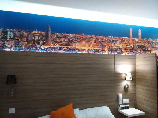 Hotel BESTPRICE Diagonal: beautiful decorations on the wall