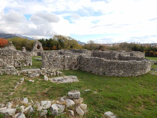 Solin, โครเอเชีย: Salona's main, bishopric church. A very interesting archaeological find. Definitely, worth it.