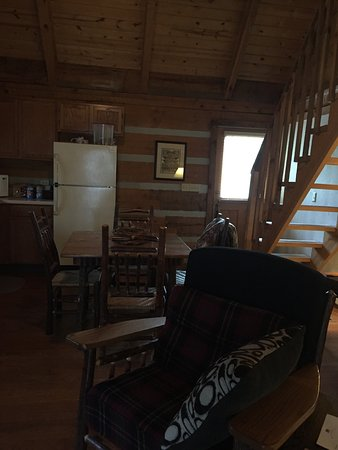 Dancing Bear Lodge: photo0.jpg