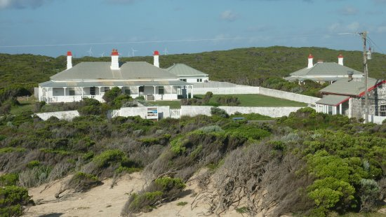 Cape Nelson Lighthouse Cottages: Cottages from lighthouse