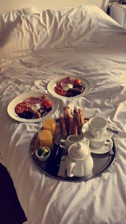 Warkworth, UK: Breakfast in bed