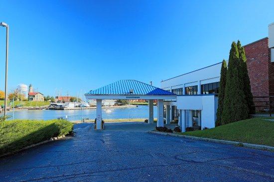 Wyndham Garden Kenosha Harborside Updated 2017 Hotel Reviews Price Comparison Wi Tripadvisor