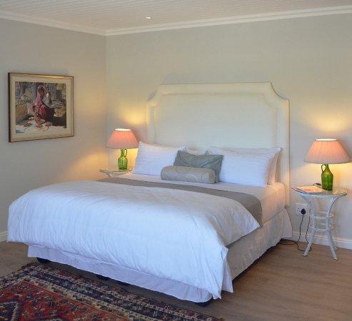 Riebeek Kasteel, South Africa: Vineyard Views Country House Lower Level Suite