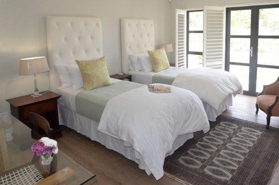 Riebeek Kasteel, South Africa: Vineyard Views Country House Luxury Room 2