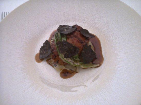 Malataverne, Francia: Ris de veau à la truffe,salsifis et blettes