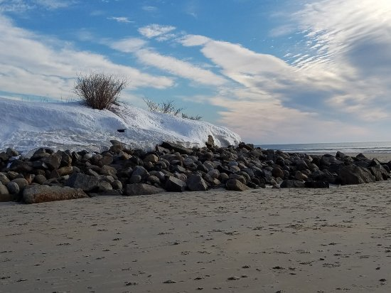Ogunquit Beach: Beach where it wraps around toward the Ogunquit river