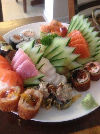 Kasato Sushi: Sushi e Sashimi variados