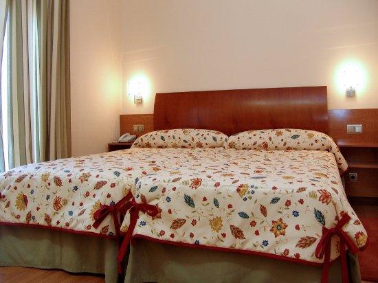 Munana, Spain: Hotel de nueva construcción con habitaciones modernas